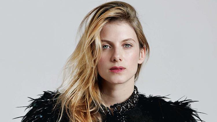 Мелани Лоран – амбициозная французская блондинка