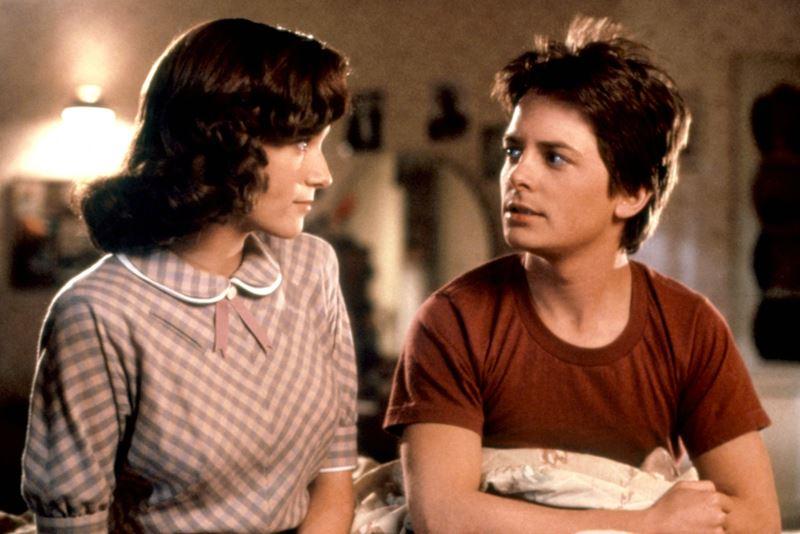 Какой актёр должен был играть в Марти в «Назад в будущее» - Леа Томпсон и Майкл Джей Фокс