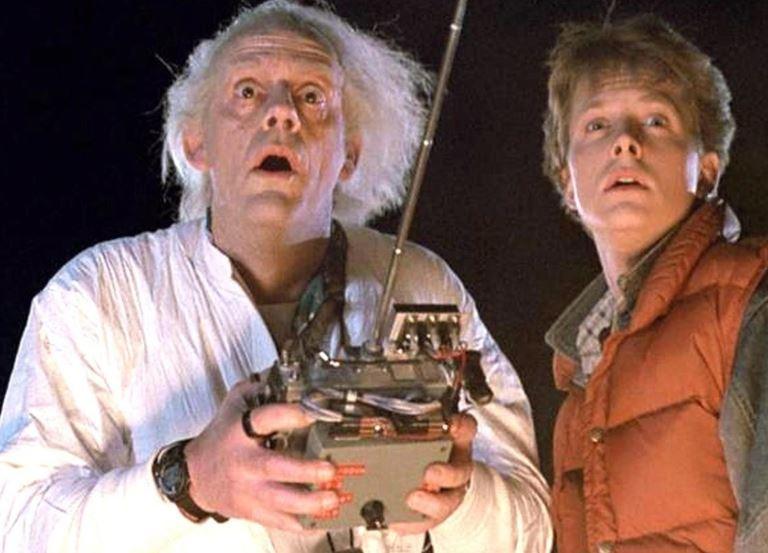 Какой актёр должен был играть в Марти в «Назад в будущее» - Кристофер Ллойд и Майкл Джей Фокс