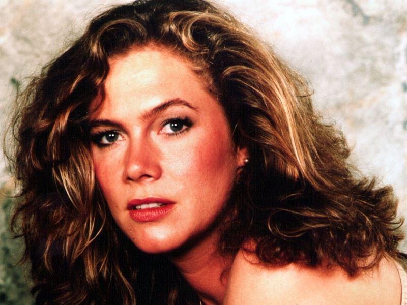 Актрисы, которые могли сняться в «9 ½ недель» - Кэтлин Тёрнер