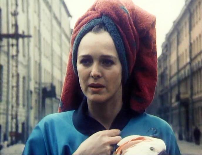 Как живёт Аньес Сораль: что стало с экспрессивной француженкой из фильма «Окно в Париж»