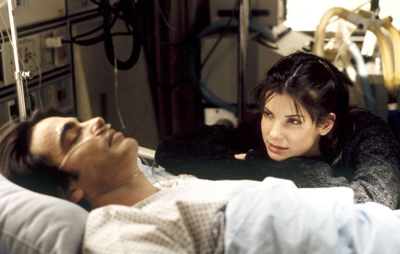 Джулия Робертс отказалась, Сандра Буллок снялась - «Пока ты спал» (1995)