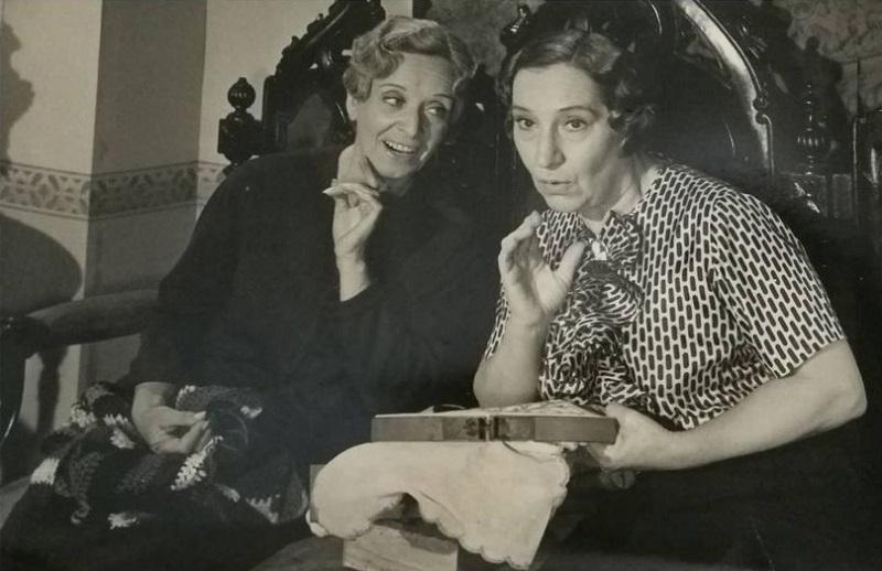 """Лидия Ламайсон - в спектакле """"В моём доме командую я"""" (1968)"""