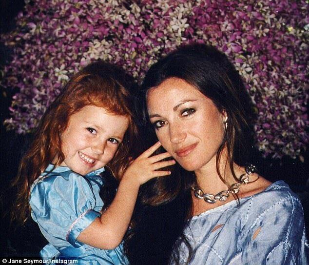 Актриса-претендентка на Мэгги в «Поющих терновнике» - Джейн Сеймур с дочерью Кэтрин