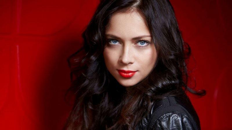 Российские актрисы сменили фамилии - Настасья Самбурская