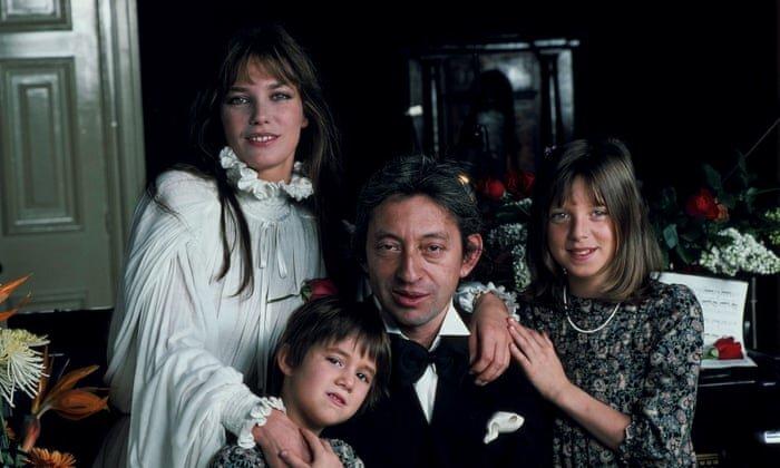 Джейн Биркин и Серж Генсбур - отцовство - с дочерьми Шарлоттой Генсбур и Кейт Барри
