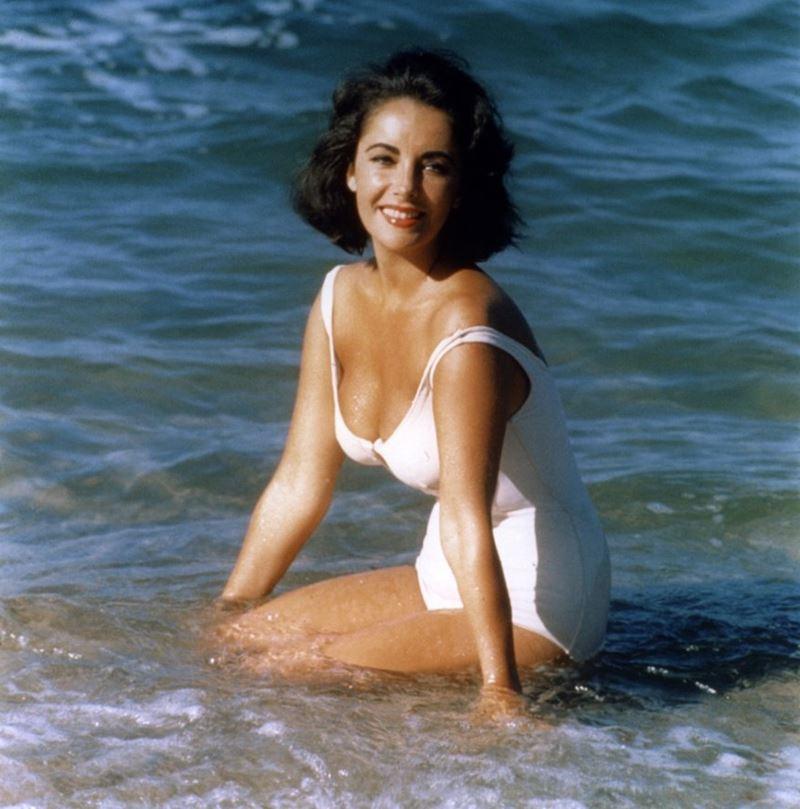 Актрисы в купальниках, вошли в историю кино и моды - Элизабет Тейлор