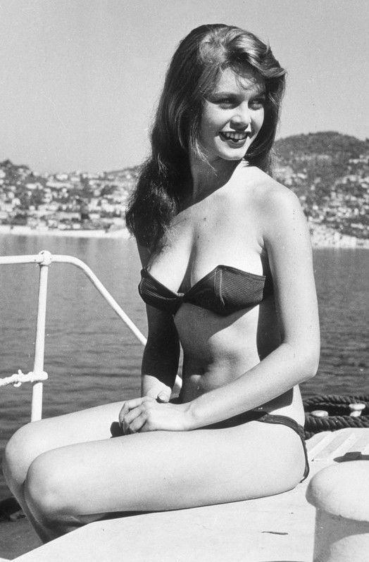 Актрисы в купальниках, вошли в историю кино и моды - Брижит Бардо