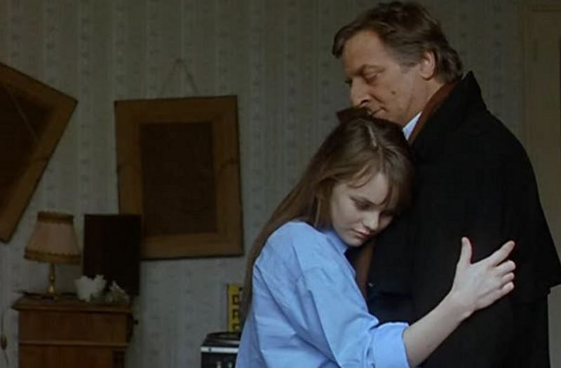 Фильмы о любви юной девушки и взрослого мужчины - «Белая свадьба»