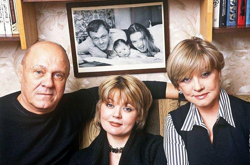 «Папа считал, что меня держат из жалости»: почему родители Юлии Меньшовой были против её актёрства
