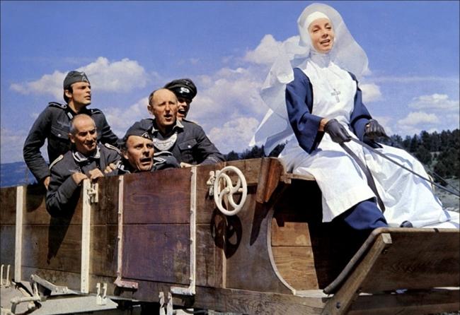 Лучшие фильмы с Луи де Фюнесом: «Большая прогулка», 1966