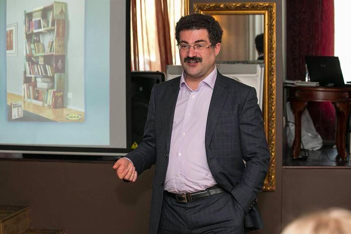 Аркадий Цукер, бизнес-консультант