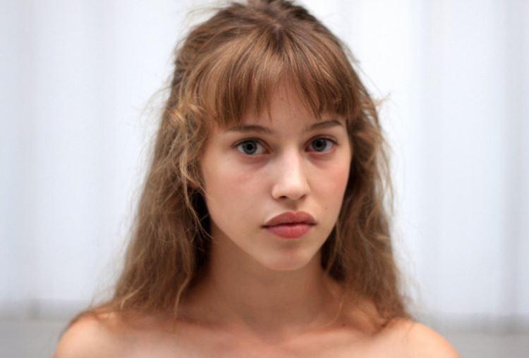 Молодые французские актрисы: Лу де Лааж