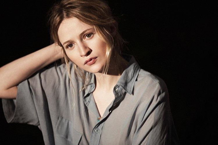 Молодые французские актрисы: Криста Тере