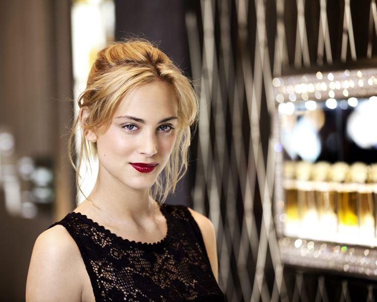 Молодые французские актрисы: Нора Арнезедер
