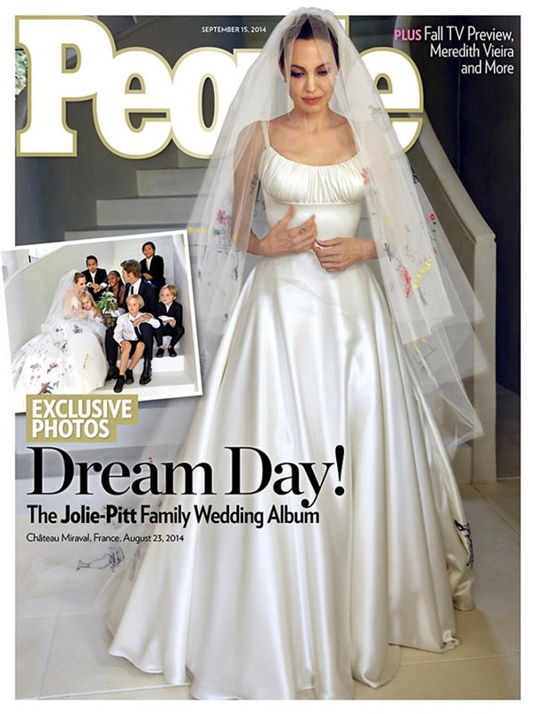 Анджелина Джоли тогда и сейчас: фото обложек - в свадебном платье для People (сентябрь 2014)