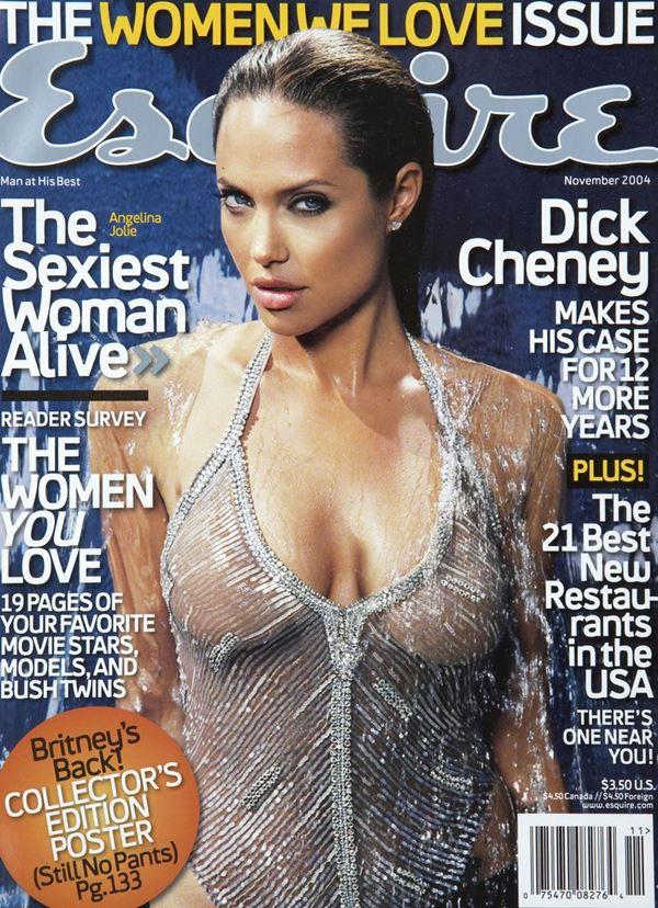 Анджелина Джоли тогда и сейчас: фото обложек - в серебристом купальнике для Esquire (ноябрь 2004)