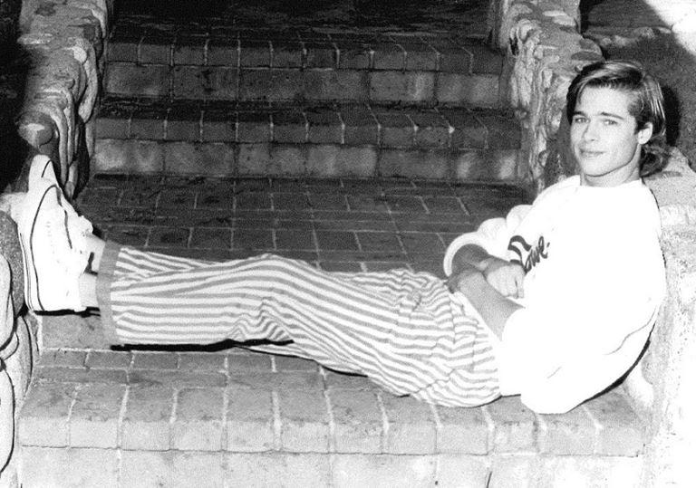 Молодой Брэд Питт - редкие чёрно-белые снимки 1987 года - фото 14