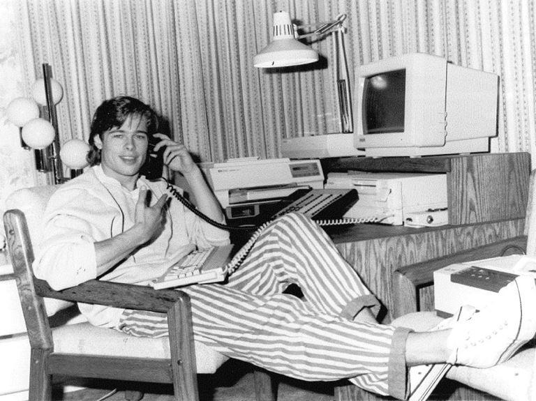Молодой Брэд Питт - редкие чёрно-белые снимки 1987 года - фото 4