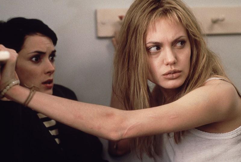 Сумасшедшие таланты: 10 актёров, сыгравших безумие - Анджелина Джоли